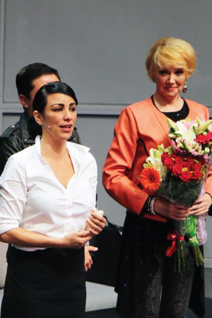 Bajo Terapia da la bienvenida en su elenco a Adriana Larrañaga